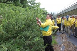 出発前に、委員長L黒崎一嘉より「正しい枝の採取の方法等の確認」